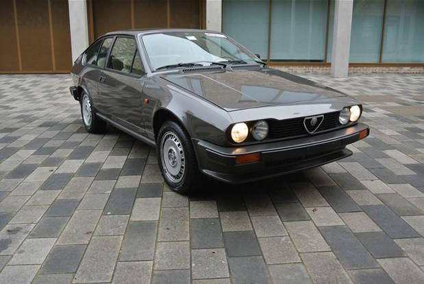 Alfa Romeo - 1982 GTV 2000 COUPE ALFETTA