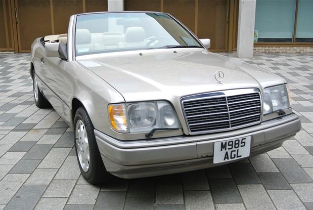 Mercedes Benz - E320 CABRIO AUTO