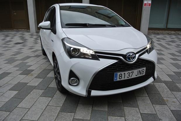 Toyota 2016 YARIS HYBRID 1.5 DESIGN AUTO