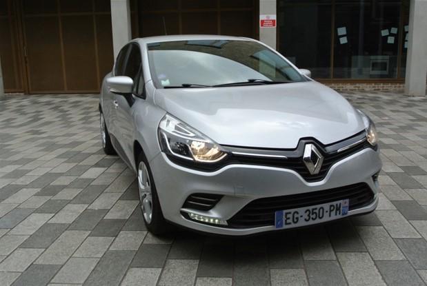 Renault - 2016 CLIO 1.2 5 DOOR MANUAL